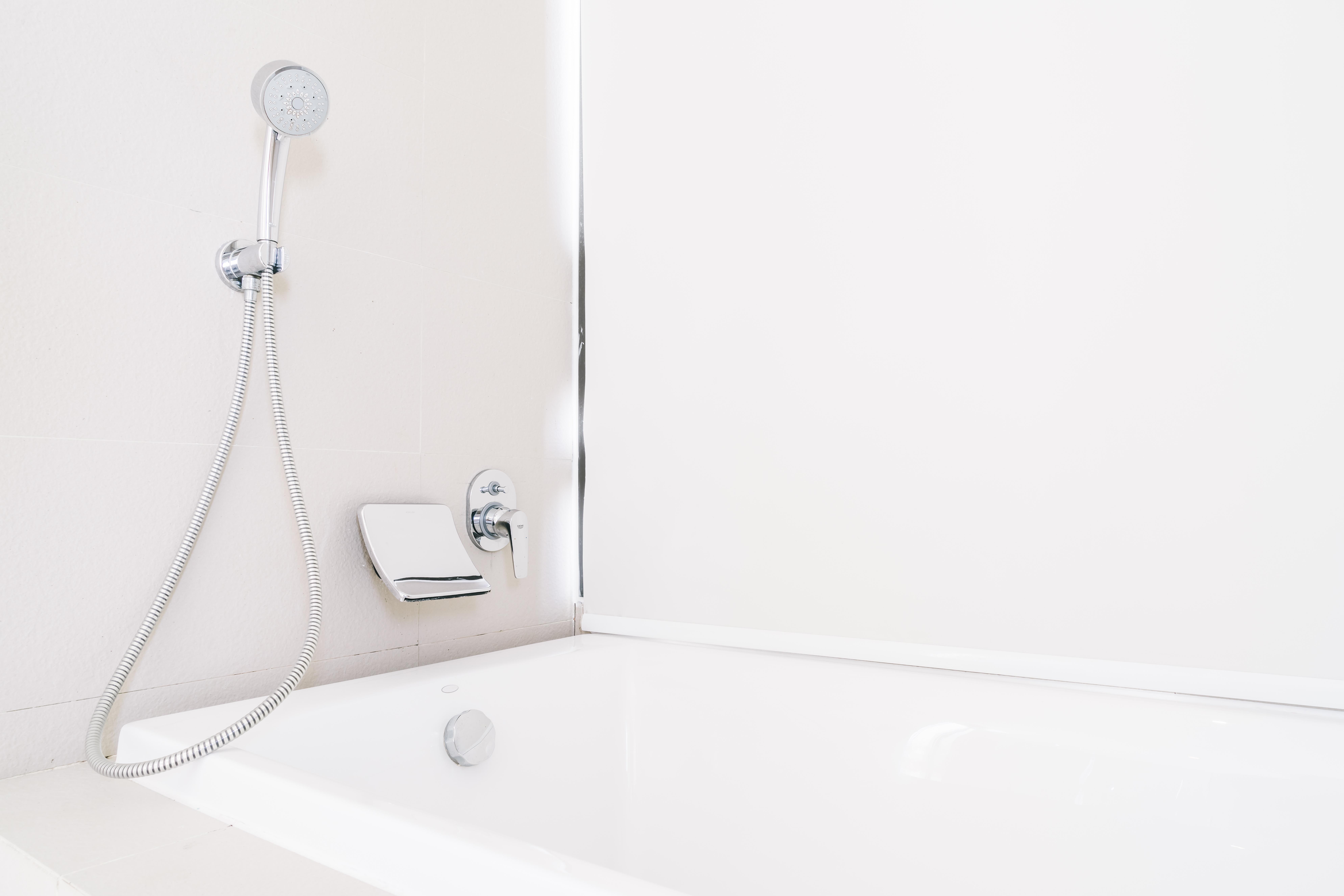 Installation neuf salle de bain baignoire Aubagne Marseille